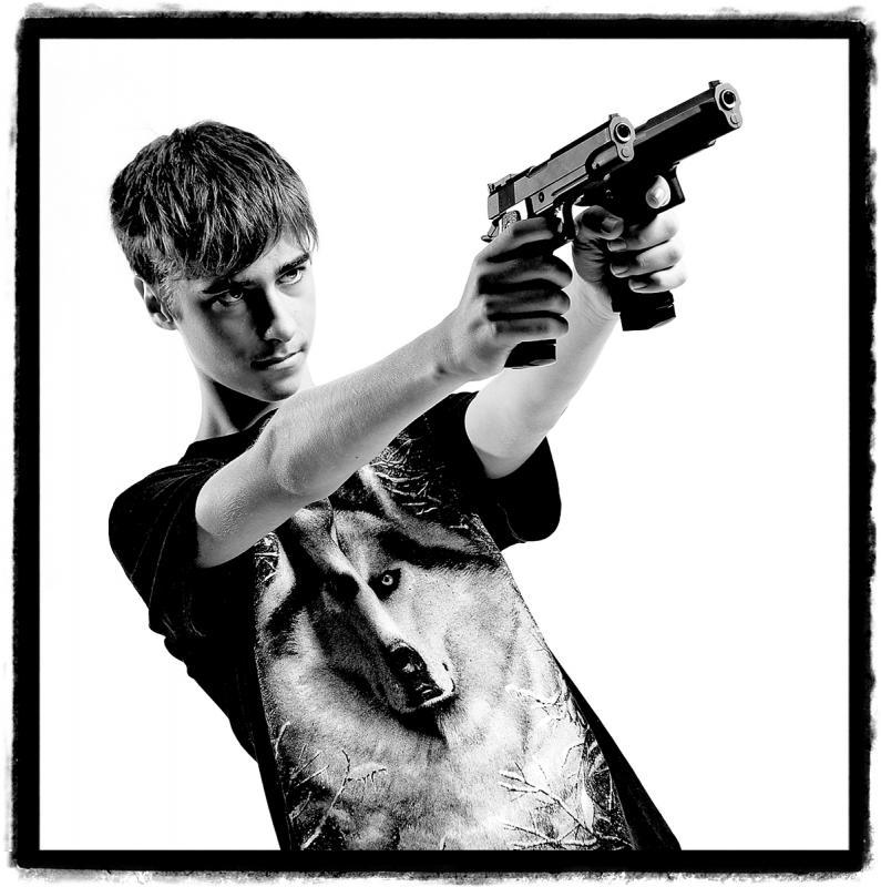 Gangsta No.2 by Julian Hanford